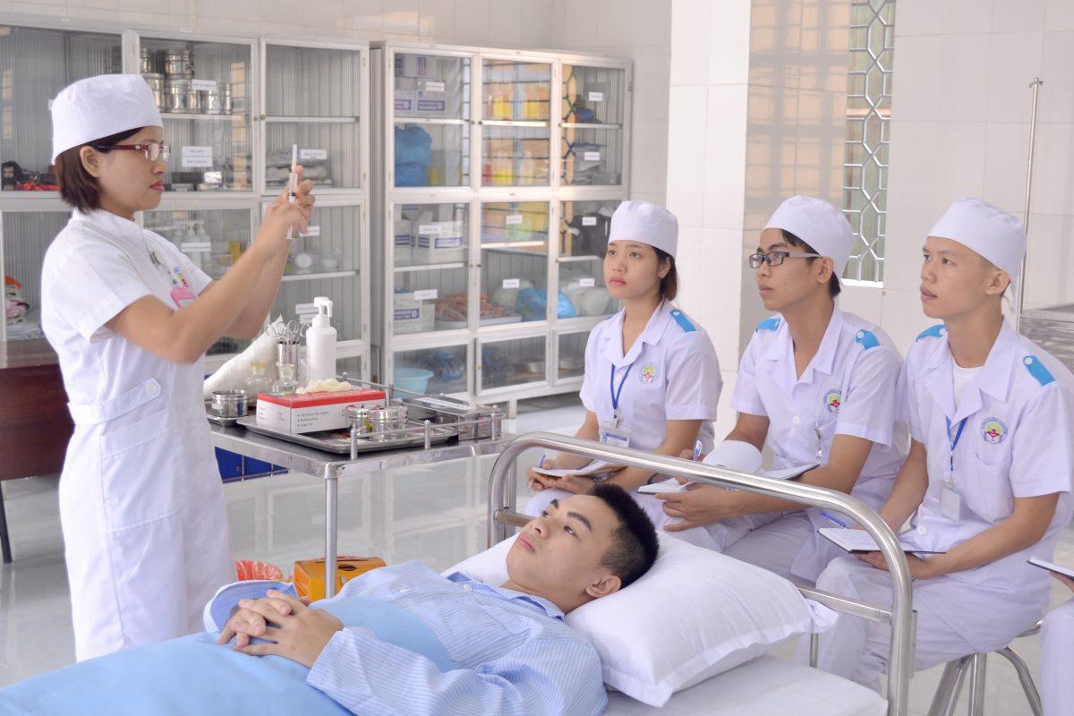 Y tế bệnh viện tư nhân đang phát triển nhờ tầng lớp trung lưu