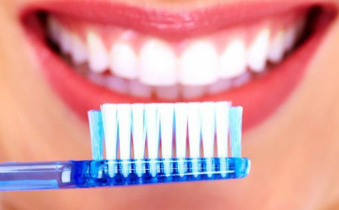 Răng vàng là biểu hiện của bệnh gì?